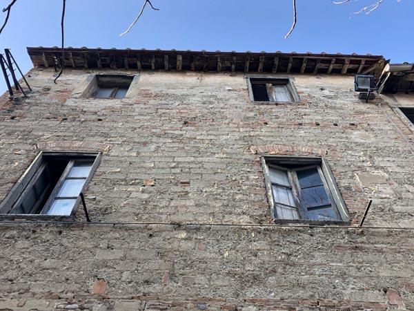 edificio in muratura